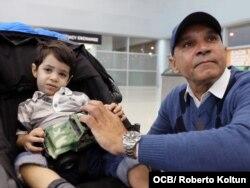 Llegada de Thiago Rodriguez de 2 años quien recibira atencion medica que no pudo obtener en Cuba.