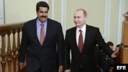 El presidente de Rusia, Vladímir Putin (d), y su homólogo Nicolás Maduro. Foto Archivo, 15 de enero de 2015.