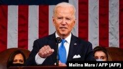 El presidente Joe Biden, en su discurso sobre los primeros 100 días de su mandato. Foto Archivo Melina Mara / POOL / AFP