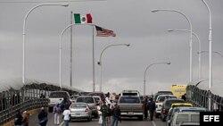 Puente Internacional Paso del Norte que lleva de México a Texas, EEUU.