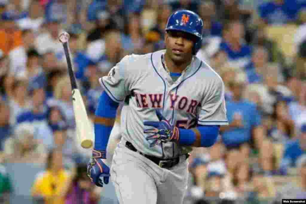 El jardinero cubanoYoenisCéspedes, de los Mets de Nueva York.