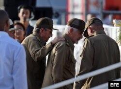 Raúl Castro y Ramiro Valdés, el 26 de julio de 2017 en Pinar del Río.