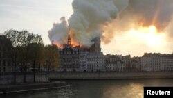 FOTOGALERÍA: Se incendia Catedral de Notre Dame