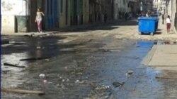 Vecinos de Mantilla entre aguas albañales en momentos de extremar la higiene