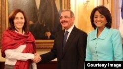 El presidente dominicano, Danilo Medina con Mariela Castro.