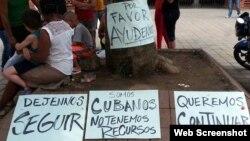 Cubanos varados en Turbo, Colombia, piden ayuda para continuar camino a EEUU.