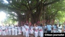 Reporta Cuba Damas de Blanco con activista Marcelino Abreu Foto Angel Escobedo
