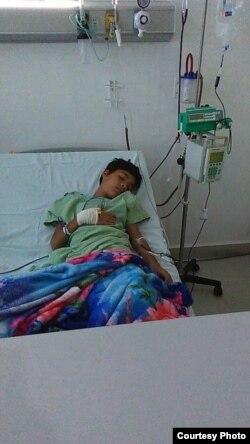 Alessandro Rodríguez Tamayo en un hospital de México.