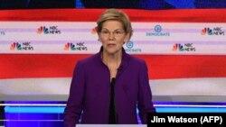 La senadora Elizabeth Warren en Miami el 26 de junio de 2019, durante el debate presidencial en el Partido Demócrata.