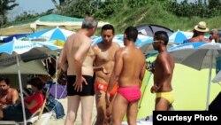 Comercio sexual en Mi Cayito (foto Juan A. Madrazo)