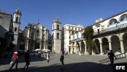 Vista de la Plaza de la Catedral en La Habana, Cuba. Archivo