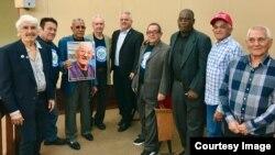Hialeah proclamó el 11 de febrero como Día de Armando Sosa Fortuny. En la foto, un grupo de opositores y miembros del exilio cubano, durante el acto celebrado en esa ciudad.