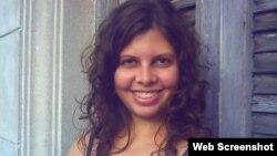 Lía Villares, escritora y autora del blog Habanaemia.
