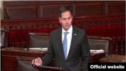 El senador Marco Rubio, durante su alocución ante el pleno del Senado de Estados Unidos.