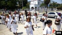 Impiden a Damas de Blanco llegar al Santuario de El Cobre