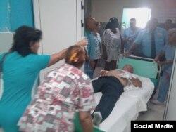 Heridos de accidente de tránsito en Camagüey son atendidos en hospital l Manuel Ascunce Domenech. (Facebook/Adelante)