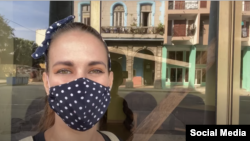 La Youtuber cubana, Camila Carballo.