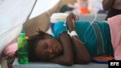 Fotografía de archivo de una mujer víctima del cólera. EFE/Orlando Barría