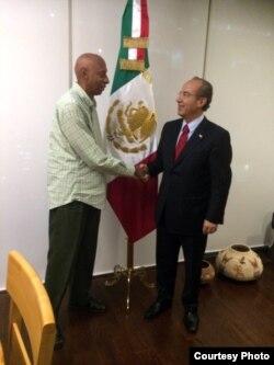 Guillermo Fariñas fue recibido por Felipe Calderón, ex presidente de México.
