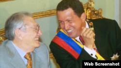 Luis Miquilena y Hugo Chávez.