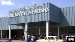 Cuba: disminuyen vuelos de EE. UU.