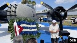 Veterano de Bahía de Cochinos recuerda la gesta ante los invitados al evento.