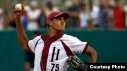 El lanzador cubano Miguel Alfredo González, cuando jugaba con el equipo Habana en las series nacionales cubanas.