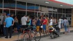 Las aglomeraciones para comprar alimentos no cesan en Cuba