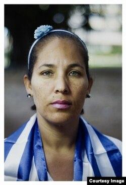 La Dama de Blanco Lismery Quintana. (Foto: Claudio Fuentes)