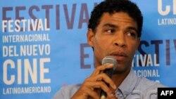 """Bailarín cubano Carlos Acosta durante la presentación del film autobiográfico """"Yuli"""","""