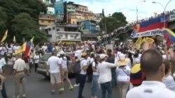 Oposición venezolana realiza masiva manifestación contra Nicolás Maduro
