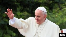 El papa Francisco bendijo el 21 de septiembre de 2015, la ciudad de Holguín (Cuba).