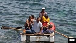 Foto de archivo - Balseros cubanos