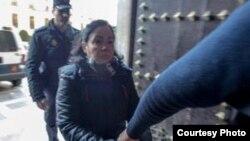La cubana Ana María P.H. a su llegada al tribunal que la juzga por asesinar a su esposo español (foto Alfredo Aguilar).