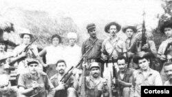 Escambray 1960 Osvaldo Ramírez ( centro derecha con sombrero)