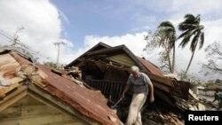 Daminificados del ciclón Sandy Cuba, October 26, 2012.