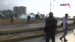 Militares son cruciales para resolver crisis en Venezuela