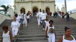 Disgregan a activistas de CxD y UNPACU para impedirles ir a misa