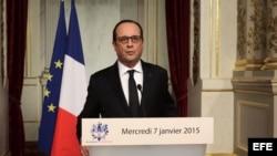 El presidente de Francois Hollande pronuncia un discurso en el Palacio del Eliseo en París.
