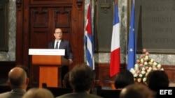 El presidente de Francia, François Hollande, durante una conferencia magistral en el aula Magna de la Universidad de La Habana (11/05/2015).