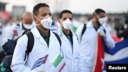 """A los médicos cubanos en México se les ha pedido """"actuar con bajo perfil"""", asegura diputada."""