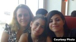 1800 Online con Surelis, Maria y Susana-Pedazo