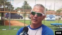 Orlando Chinea, entrenador cubano de pitcheo.