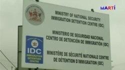 Desalojan a cubanos plantados frente a sede de ACNUR en Trinidad y Tobago