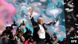 Miles de mexicanos celebran la victoria de López Obrador