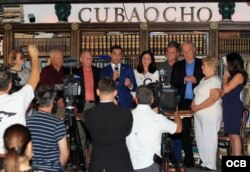 Organizaciones del exilio cubano hicieron un llamado a declarar ilegítima la constitución aprobada este domingo en referendo en Cuba. (Roberto Koltun)