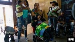 Pacientes protestan ante el Ministerio de Salud de Venezuela. (Archivo)