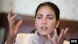 MON01. MONTEVIDEO (URUGUAY), 20/08/2013.- La hija del disidente cubano Oswaldo Payá, fallecido el año pasado, Rosa María Payá, habla durante una entrevista hoy, martes 20 de agosto de 2013, en el Palacio Legislativo, en Montevideo (Uruguay). Payá pidió ap