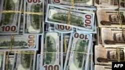 Billetes de 100 dólares.
