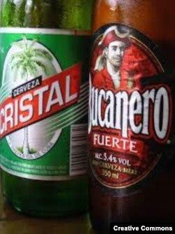 Bucanero y Cristal, dos cervezas producidas en Cuba, estuvieron perdidas del mercado interno cubano por falta de materias primas (Samuel Negredo).